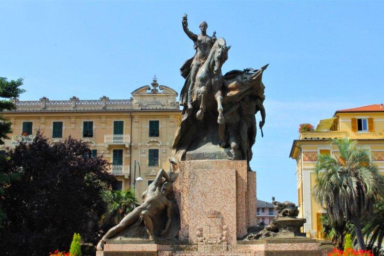 Monumento ai caduti della Prima Guerra Mondiale - foto di Agnese Ghisellini