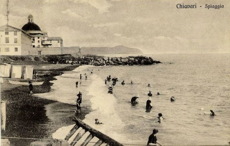 Chiavari: on the beach