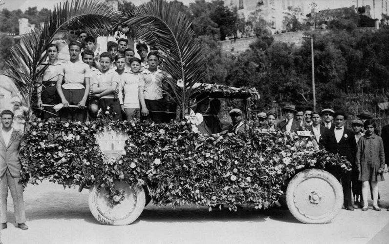 Chiavari 15 mai 1908: parcours floral, la bataille des fleurs, photo de Riccardo Penna