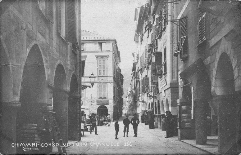 Chiavari 1905: Corso Vittorio Emanuele, Carugio Drito - photo by Riccardo Penna